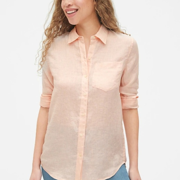 GAP Tops - GAP Women's Boyfriend Button Down Shirt in Linen